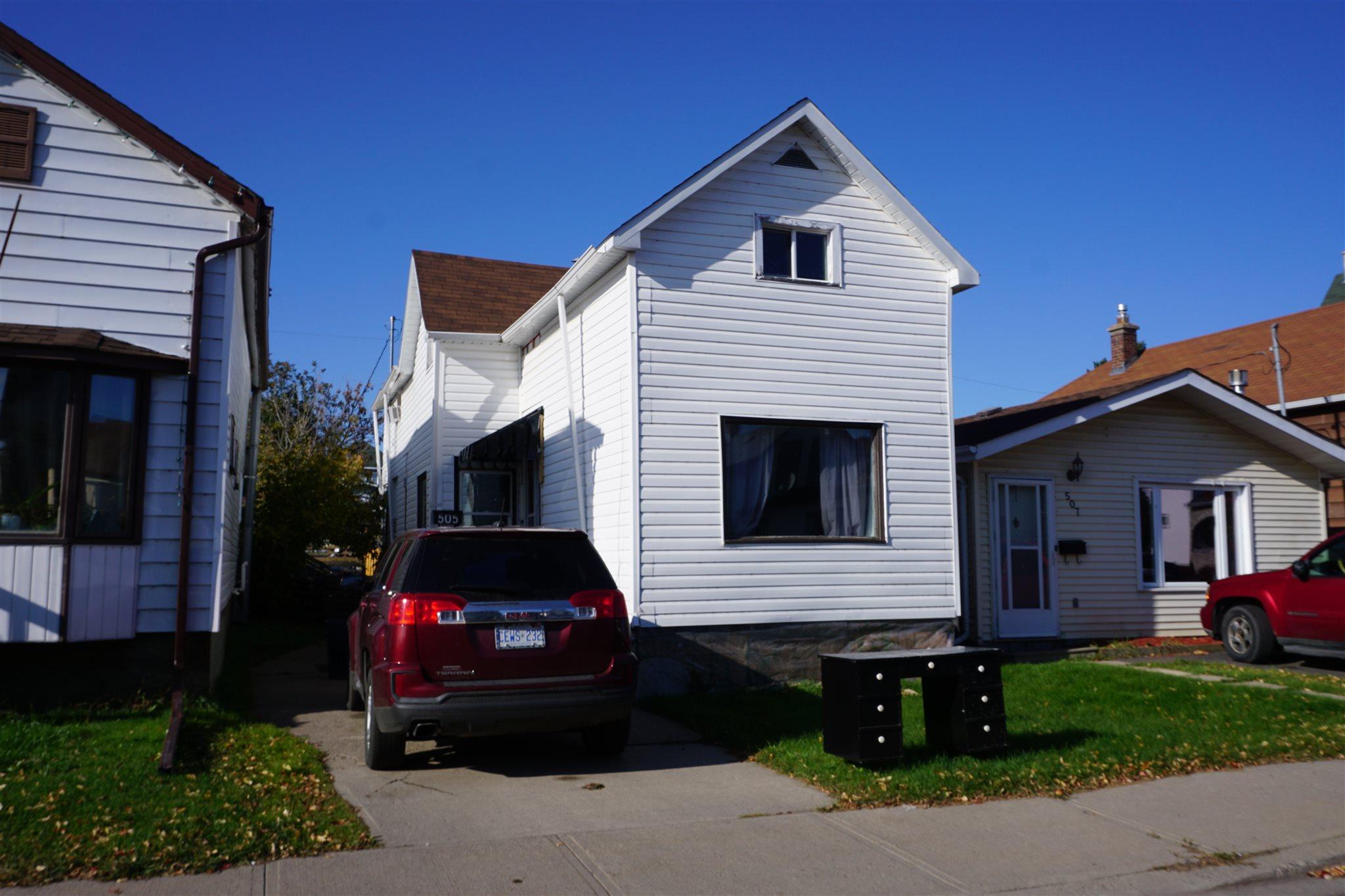 505 McLeod St